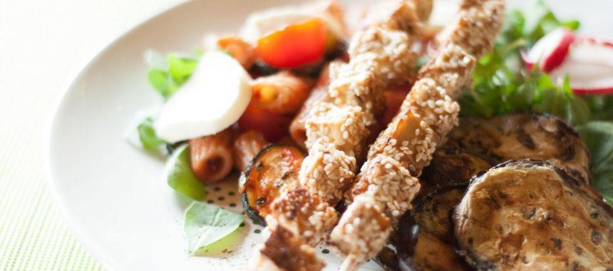 Nudel-Tofu-Salat mit Grillgemüse